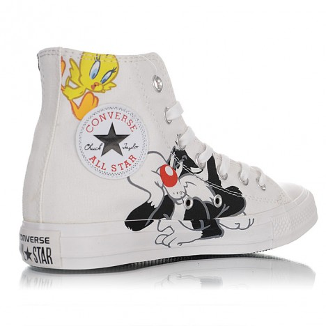 Looney Tunes x Converse Chuck Taylor Rivalry High Tops